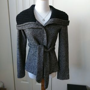 Lightweight wide collar black & grey jacket